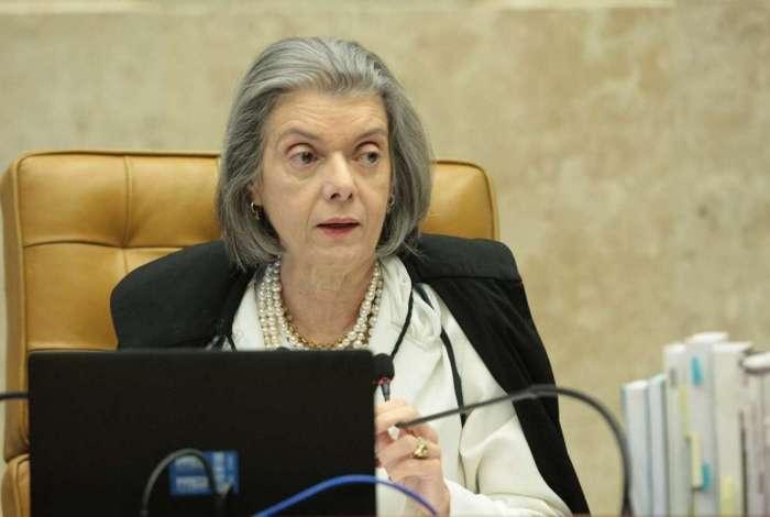 Cármen Lúcia votou para que os salários permanecessem em R$ 33,7 mil por pelo menos mais um ano