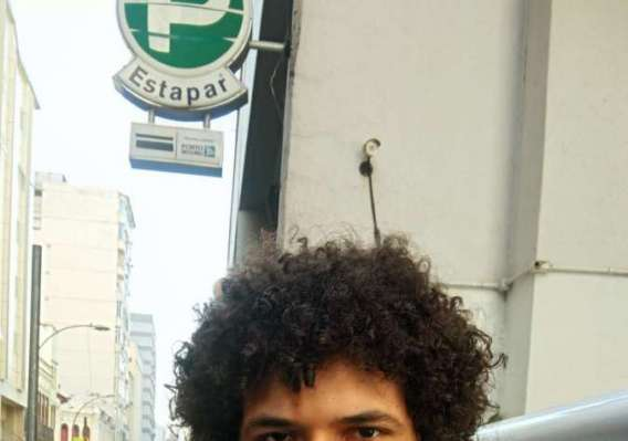 DANIEL FALEIRO, 31 anos, banc�rio, mora no Centro do Rio.