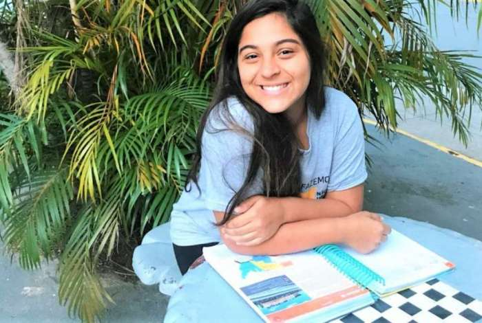 Vitória Gabrielle, que sonha em ser advogada, já tem plano para diversão e estudos durante as férias