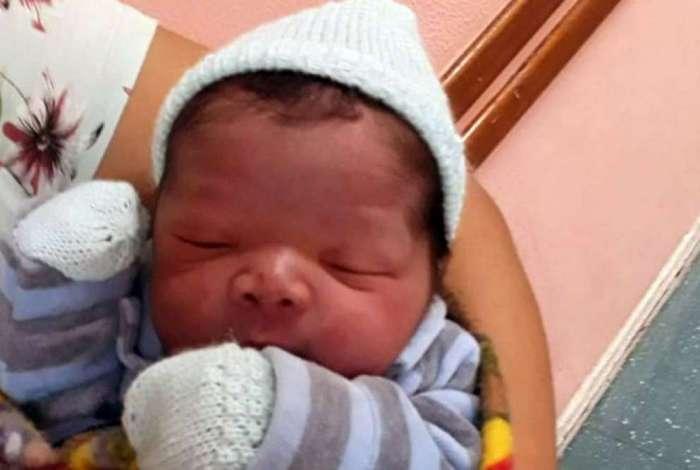 Enzo Raphael nasceu na maternidade Alzira Reis, em Niterói