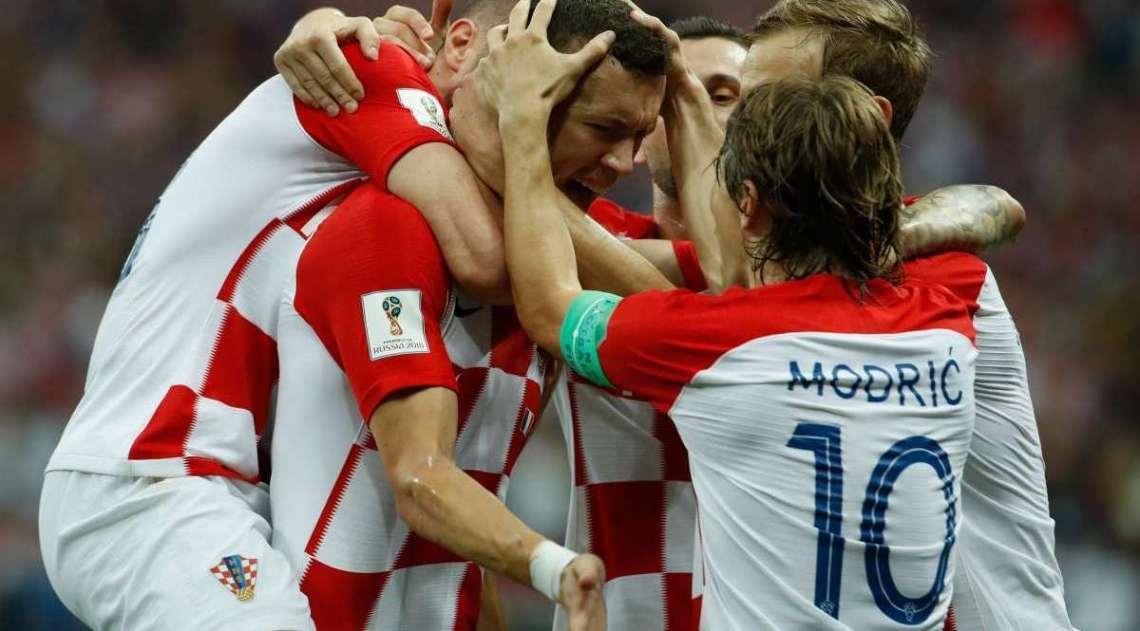 Croatas comemoram gol de Perisic