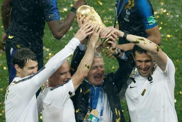 Didier Deschamps conquistou título como treinador
