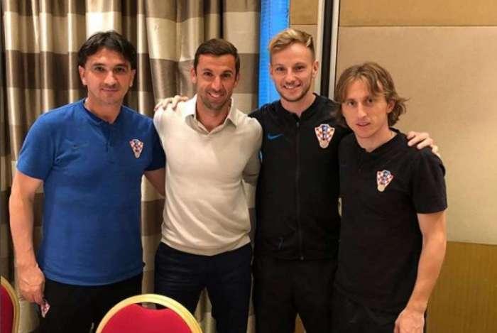 Srna jantou com jogadores da Croácia antes da final da Copa do Mundo