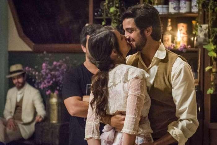 Emma e Ernesto em 'Orgulho e Paixão'