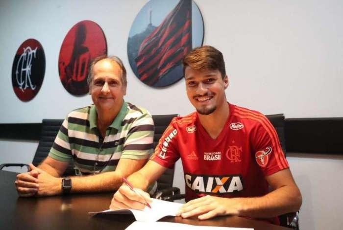 Thuler é uma das promessas da zaga do Flamengo