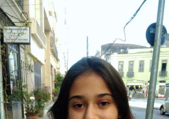 ANNA CAROLINA FONSECA, 18 anos, estudante, Centro do Rio