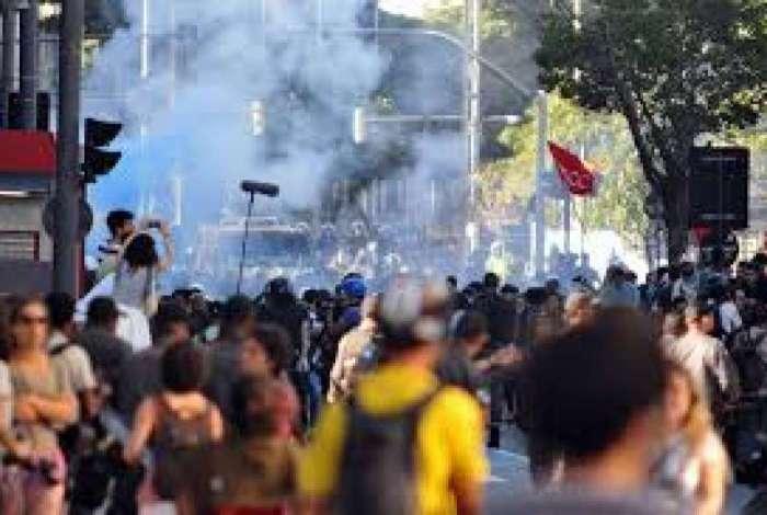 Muitos conflitos foram vistos em manifestações contra a Copa de 2014