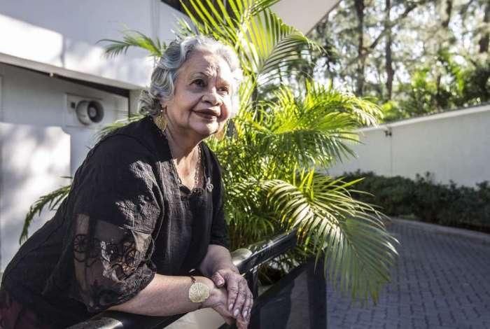 'Por causa da quimioterapia fique com intestino solto por seis anos, mas o ozônio me curou', diz a professora Haydee Oliveira