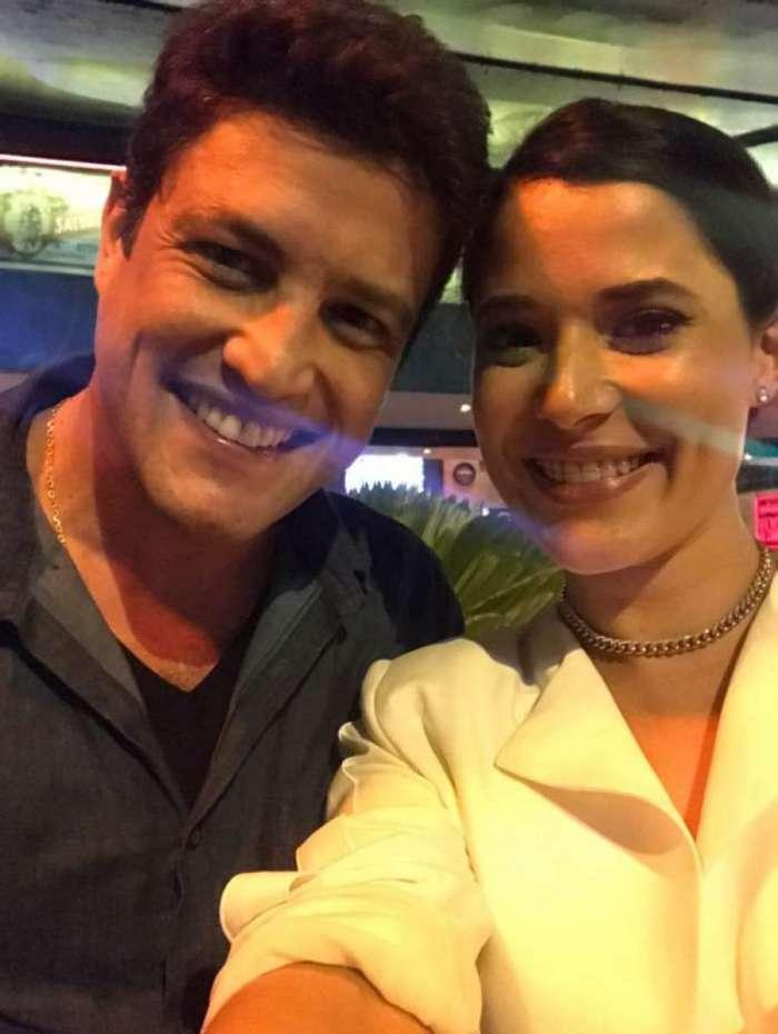 Manuela do Monte e Alexandre Slaviero