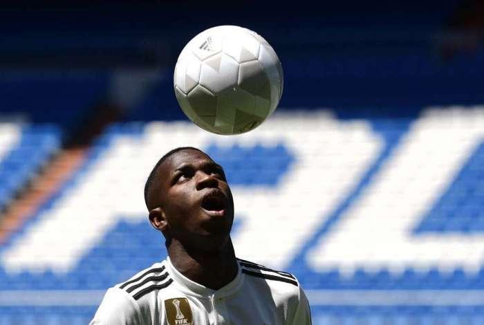 Vinicius Junior durante apresentação no Real Madrid