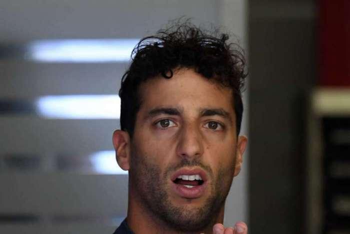Daniel Ricciardo largará em último lugar no domingo