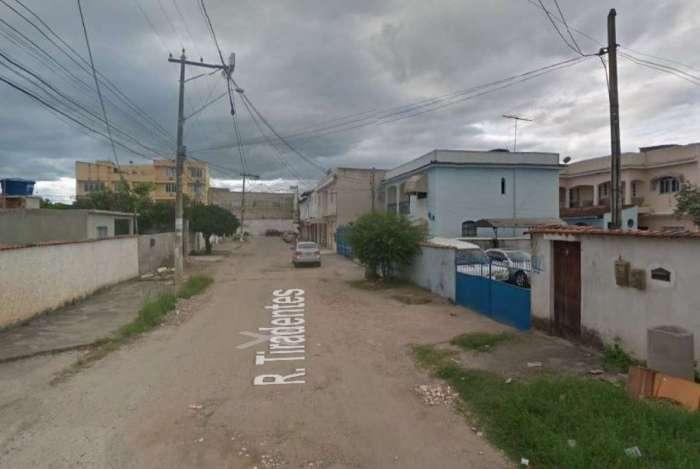 Casa que pegou fogo fica na Rua Tiradentes, no bairro Rio Várzea, em Itaboraí