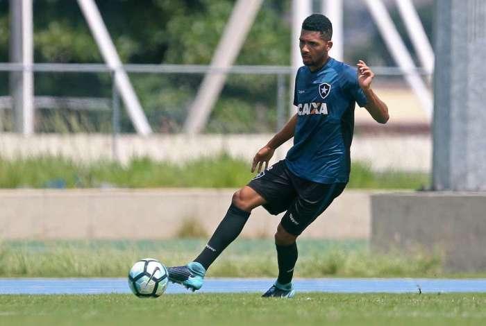 Matheus Fernandes quer foco total no Flamengo