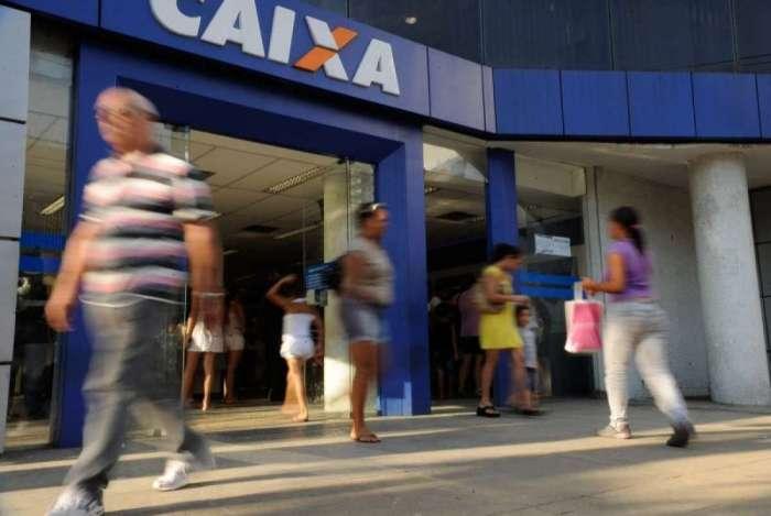 A Caixa Econômica é a gestora de recursos do Fundo de Garantia e faz os pagamentos do abono do PIS. O Pasep é liberado pelo Banco do Brasil