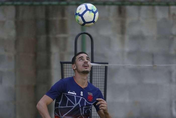 Em alta com a torcida, Thiago Galhardo terá chance entre os titulares do Vasco, hoje, em São Januário