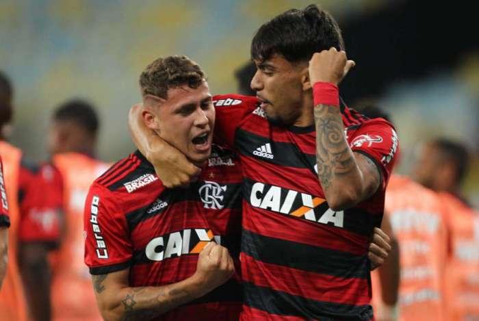 Matheus Savio jogou ao lado de Paquetá no Flamengo