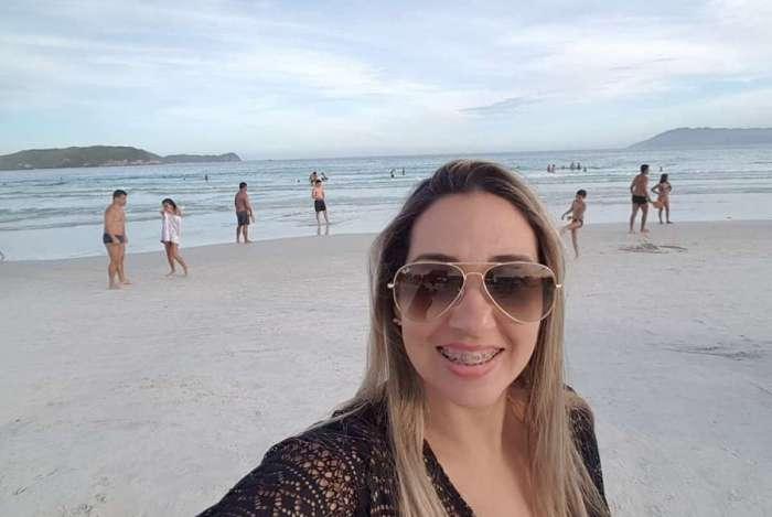 Professora Adriana Ferreira Pinto, de 41 anos, morreu após procedimento estético em Niterói