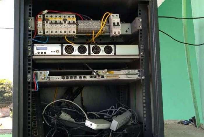 Central clandestina de internet foi desmontada em Nova Iguaçu, na Baixada Fluminense