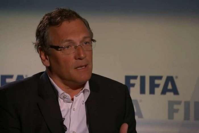 Jerôme Valcke segue banido do futebol