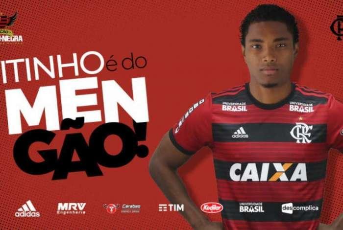 Vitinho é oficializado como reforço do Flamengo