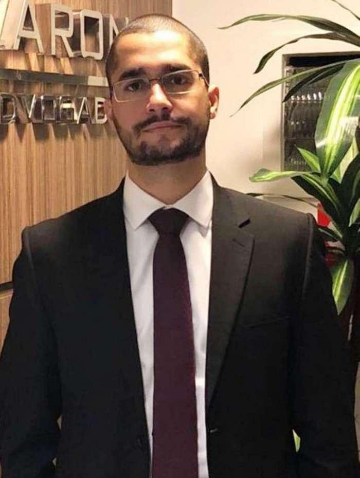 Maicon Tavares, advogado