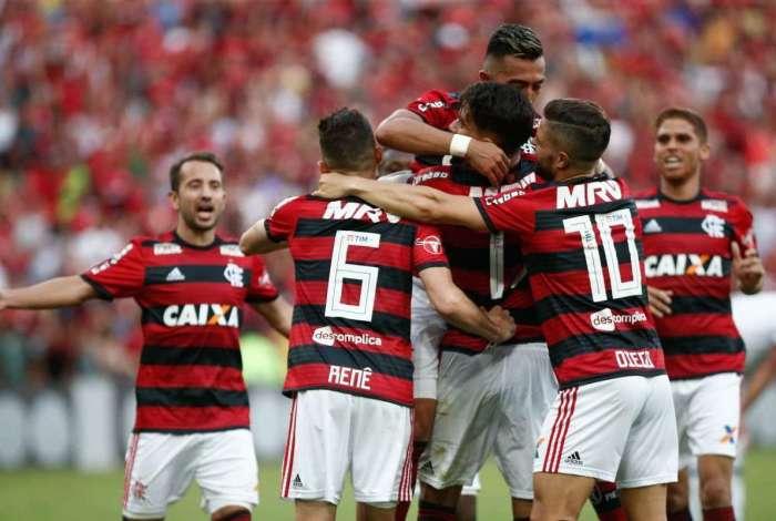 Flamengo enfrenta o Cruzeiro no domingo