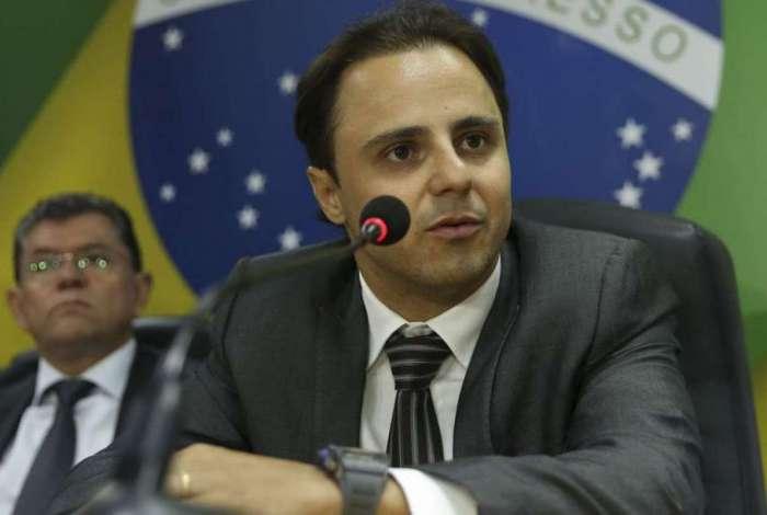 Piloto Felipe Massa, embaixador da FIA para Segurança Viária, durante solenidade de assinatura de acordo com Instituto Tellus para implementar o Pnatrans