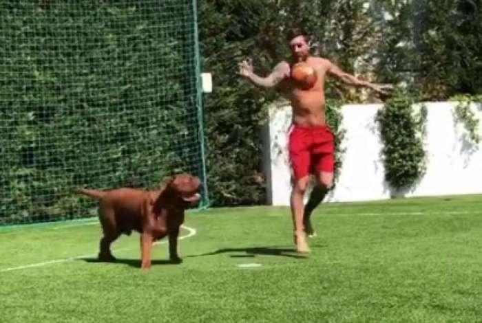 Messi driblou seu cão no último dia de férias