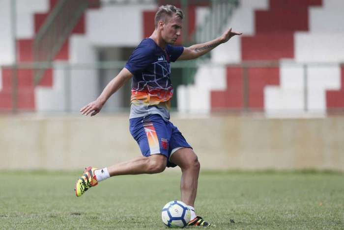 Após duas semanas de treinos, Maxi López diz que está fisicamente bem para jogar