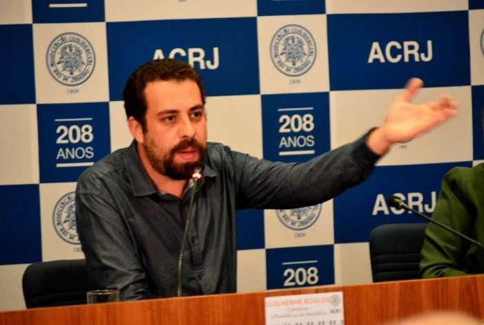 31/07/2018 - AGÊNCIA DE NOTîCIAS - PARCEIRO - Pré-candidato à presidênca da República, Guilherme Boulos (PSOL), participa da série de encontros
