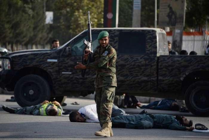 Clima é tenso no Afeganistão, que vive série de ataques