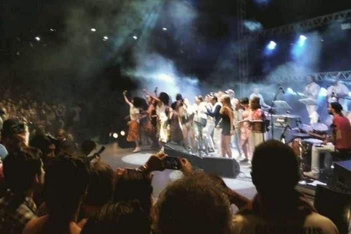 Mulheres protestam em show de Jorge Ben Jor na Bahia