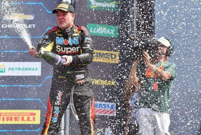 Rubens Barrichello vence Corrida do Milhão