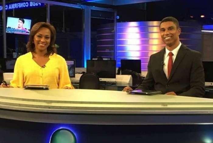 Luciana Camargo e Rodrigo Cabral apresentam o 'RedeTV News'