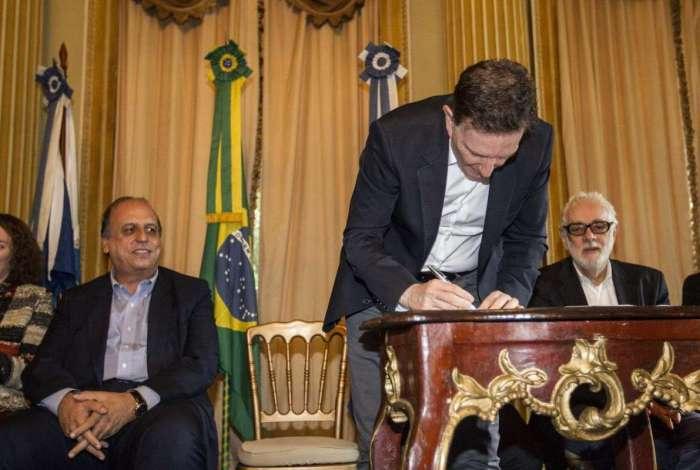 Governador Luiz Fernando Pezão diz que Refis é fundamental para completar a folha do abono de Natal