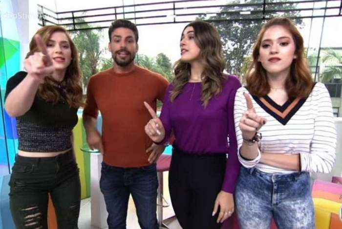 Cauã Reymond com as apresentadoras do 'Vídeo Show'