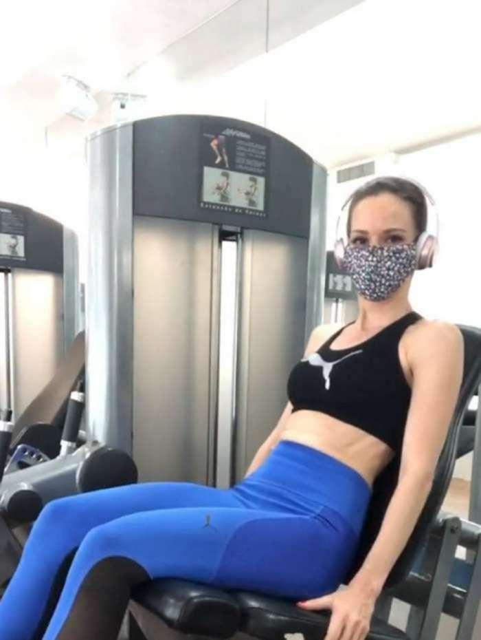 Ana Furtado treina na academia: 'Não desista'