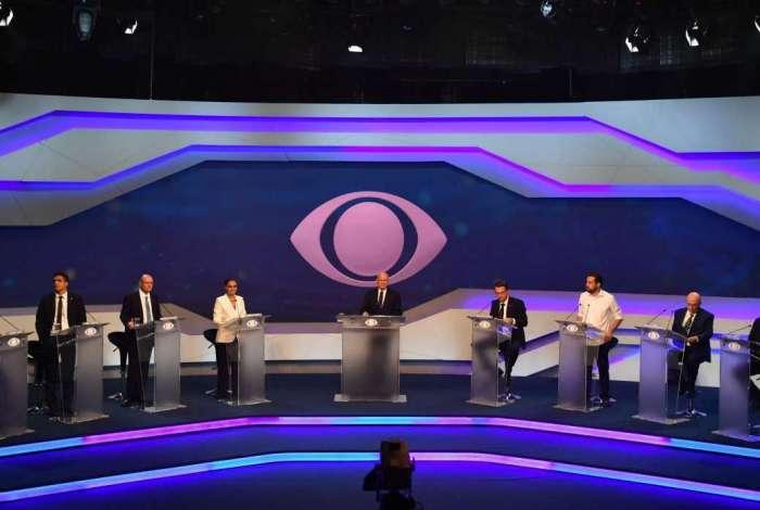 Presidenciáveis em primeiro debate na TV Bandeirantes
