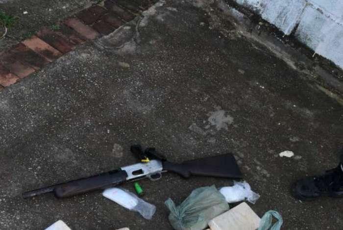 Parte de material apreendido durante operação das Forças de Segurança em Campos