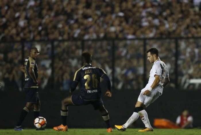 Torcida compareceu em peso para partida contra LDU. Vasco acabou sendo eliminado