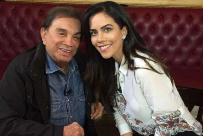 Dedé Santana e Daniela Albuquerque nos bastidores do 'Sensacional'
