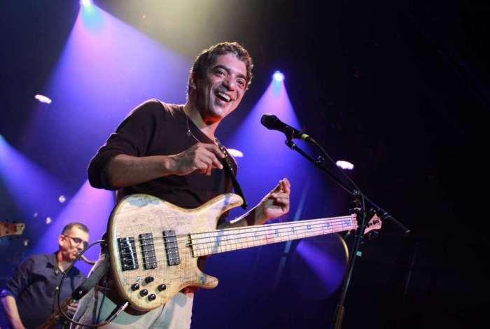 Arthur Maia é considerado pela crítica especializada como um dos melhores baixistas do mundo