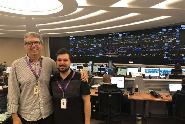 Nelson (esquerda) e Luiz Felipe trabalham juntos no MetrôRio
