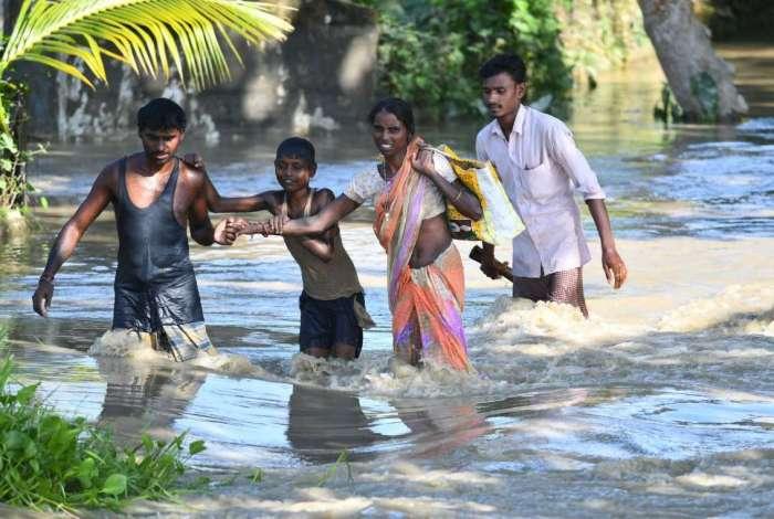 Número de mortos por inundações sobe na Índia
