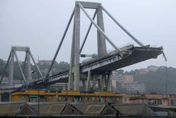 Ponte tinha 100 metros de altura. Desabamento ocorreu em uma parte movimentada e muito habitada da cidade portuária