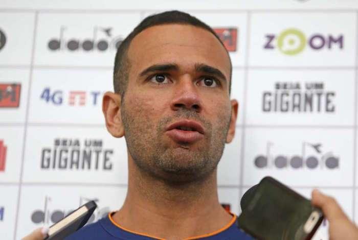 Leandro Castan quer sua primeira vitória no Vasco