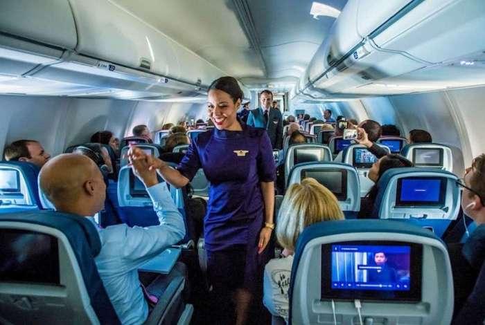 A Delta Air Lines anuncia a contratação de mil comissários de bordo em 2019