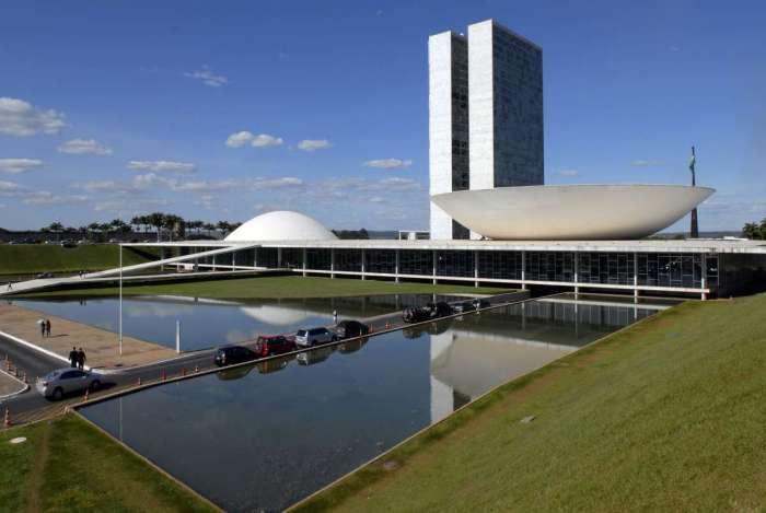 Moradores comemoram aniversário de Brasília