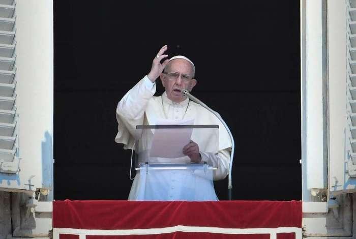 Papa Francisco da a sua primeira resposta às acusações de Vigano contra os abusos sexuais cometidos pelo cardeal