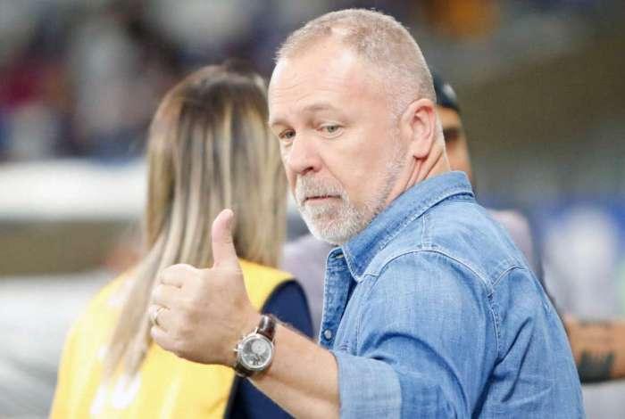 Mano Menezes sonha com classificação na semifinal da Libertadores